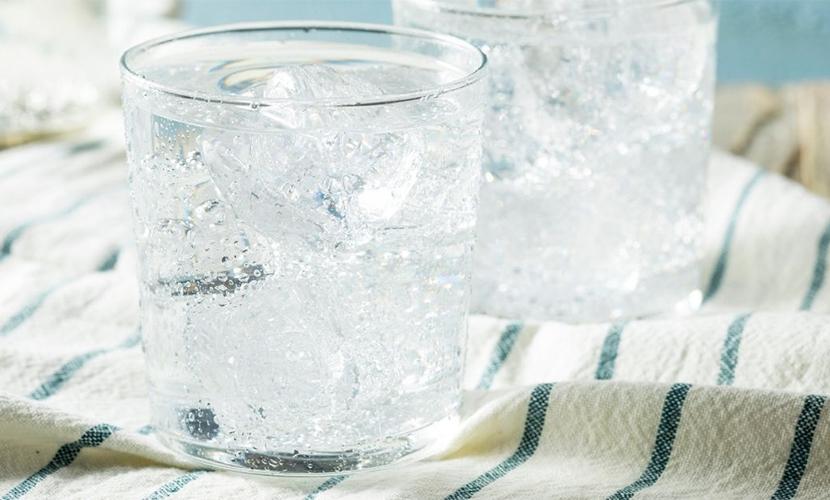 洗顔用の炭酸水の選び方とつくり方